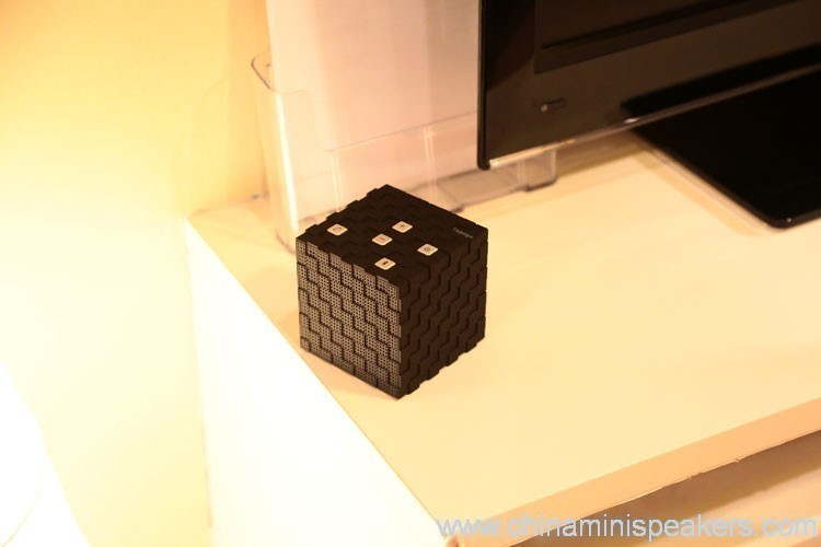Bluetooth magic cube speakers 4