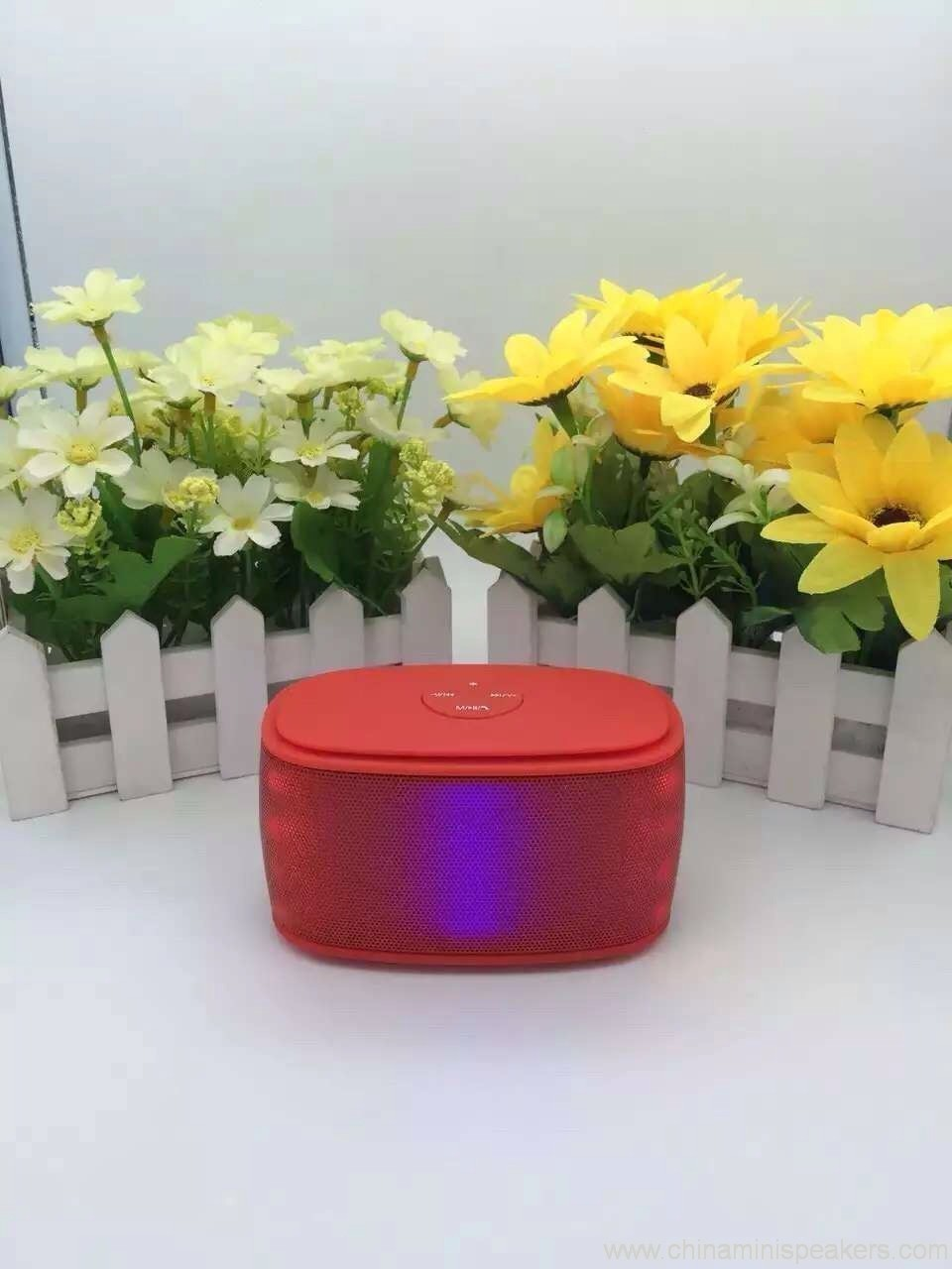 Colorfull mini brick bluetooth speaker with magic LED lights 3