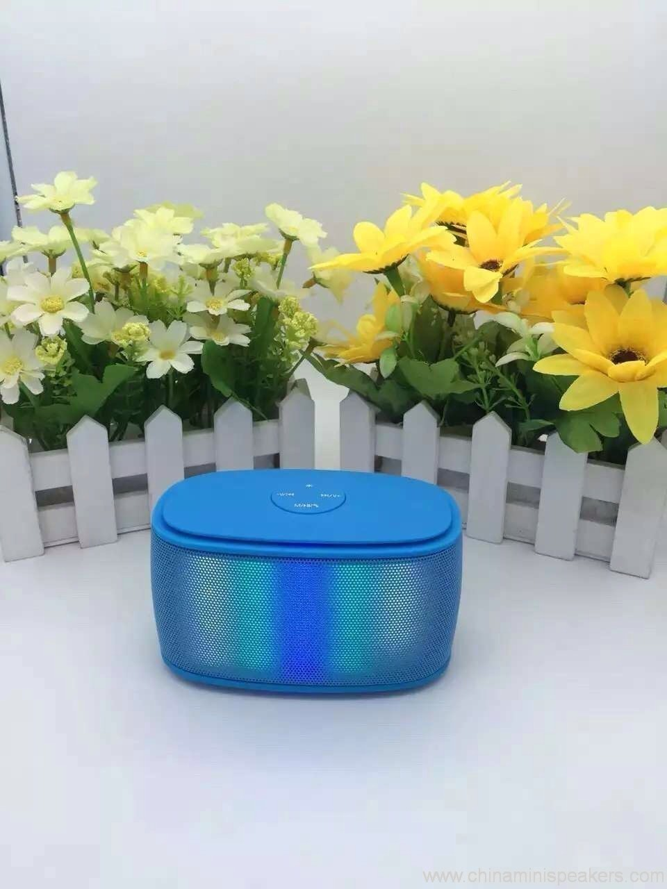 Colorfull mini brick bluetooth speaker with magic LED lights 4