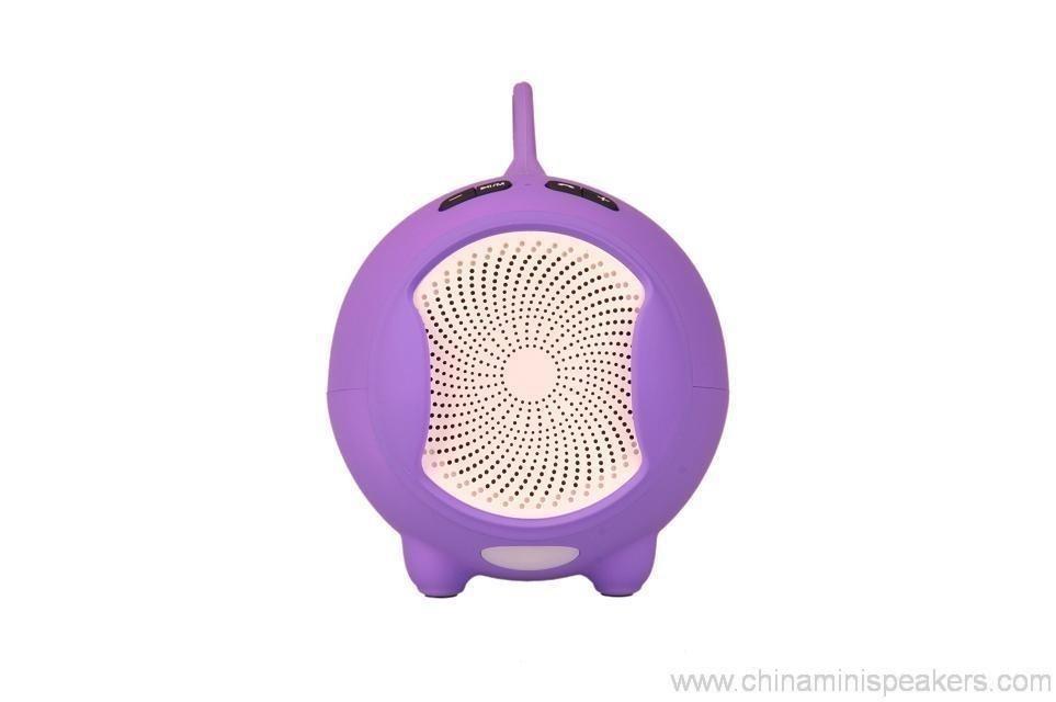 Fashionable Bluetooth Mini Speaker With Compatible Usb/Fm 6