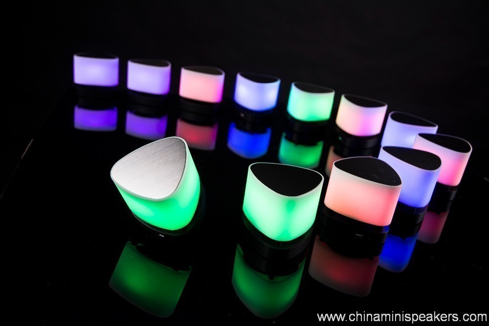 High quality audio led bluetooth speakers 2