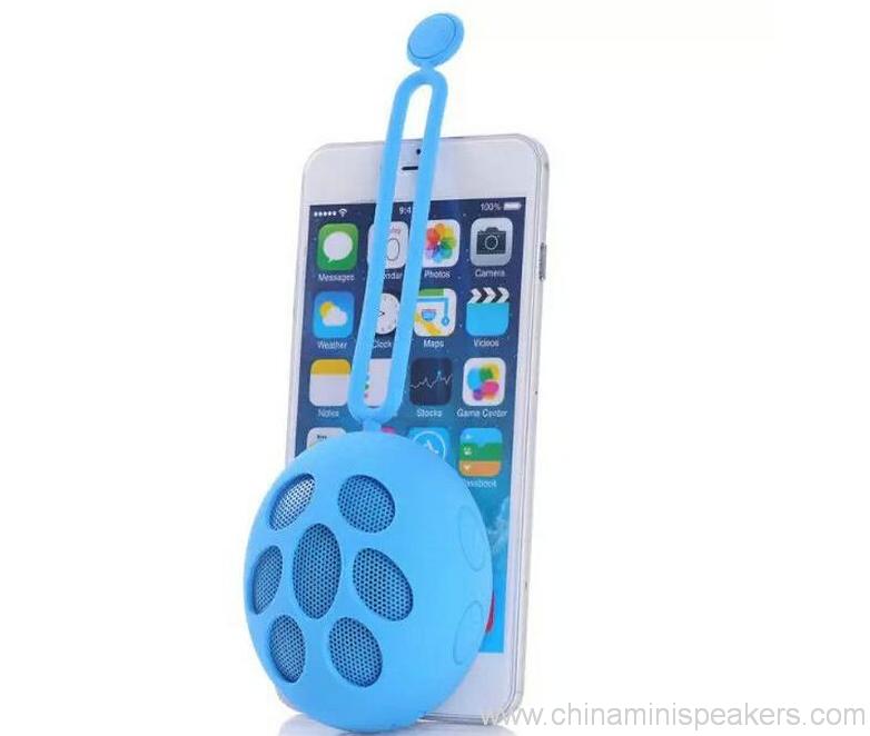 Wireless 4 level waterproof Speaker with selfie function 3
