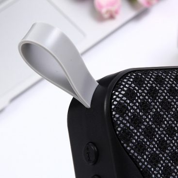 novelty-portable-mesh-cloth-style-outdoor-bluetooth-speaker-11