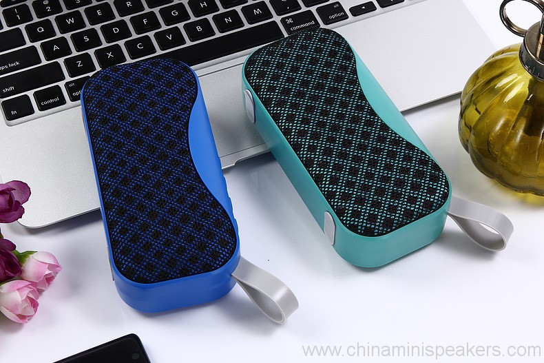 novelty-portable-mesh-cloth-style-outdoor-bluetooth-speaker-19