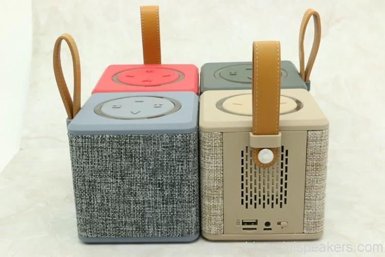portable-5w-fabric-bluetooth-speaker-01