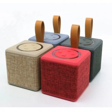portable-5w-fabric-bluetooth-speaker-03